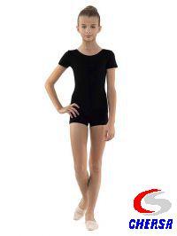 Купальник гимнастический с коротким рукавом, низ шортами